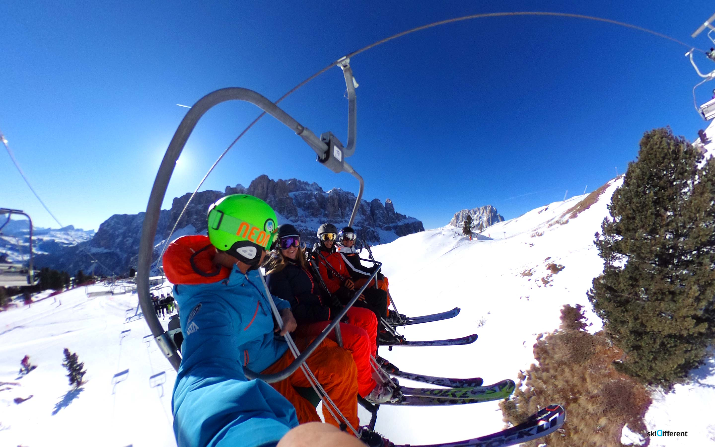 Passo Gardena Skidifferent People